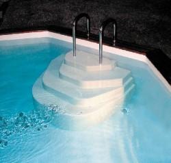 Escalier piscine modèle Athèna