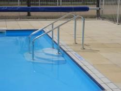 piscine PMR